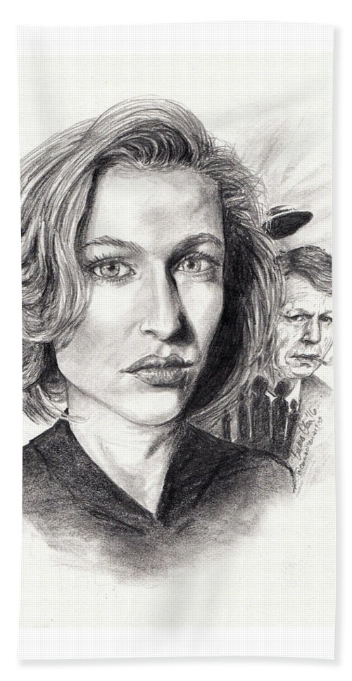 Scully Hand Towel featuring the drawing Scully by Emma Olsen