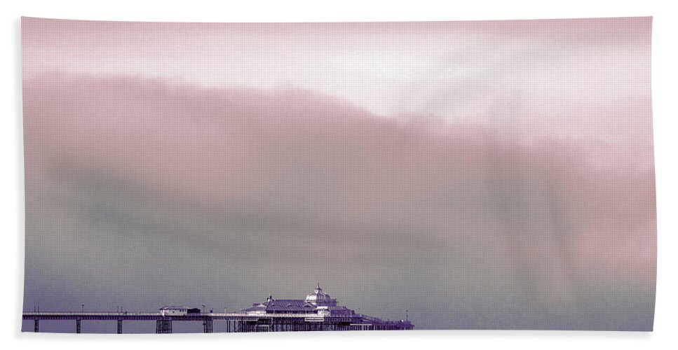 Pier Bath Towel featuring the photograph Sea Mist Replaces The Great Orme As The Backdrop To Llandudno Pier by Mal Bray