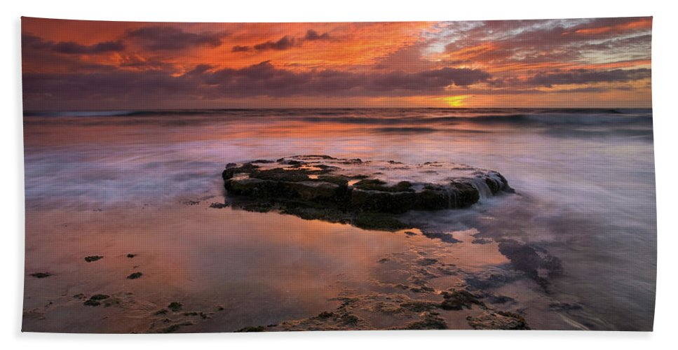Sea Hand Towel featuring the photograph Sea Of Red by Mike Dawson