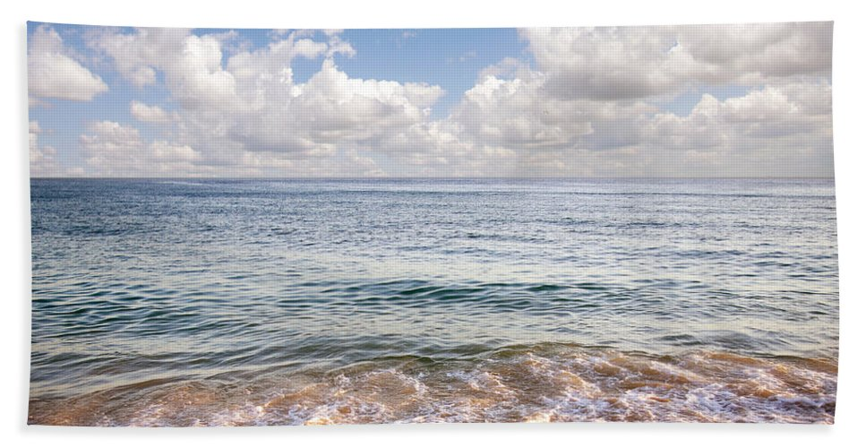Background Bath Towel featuring the photograph Seascape by Carlos Caetano
