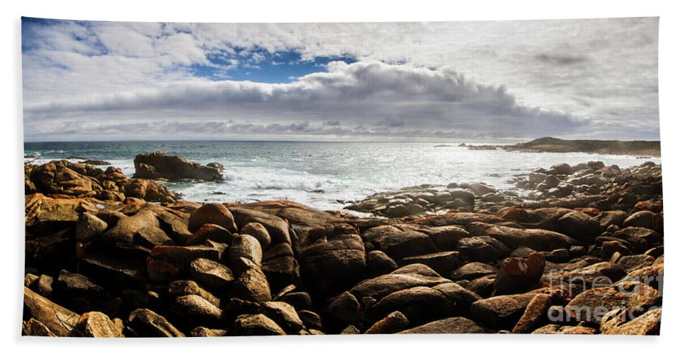 Water Bath Towel featuring the photograph Seascape In Harmony by Jorgo Photography - Wall Art Gallery