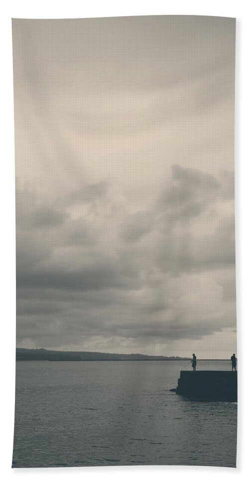 Hilo Hand Towel featuring the photograph See Who I Am by Laurie Search