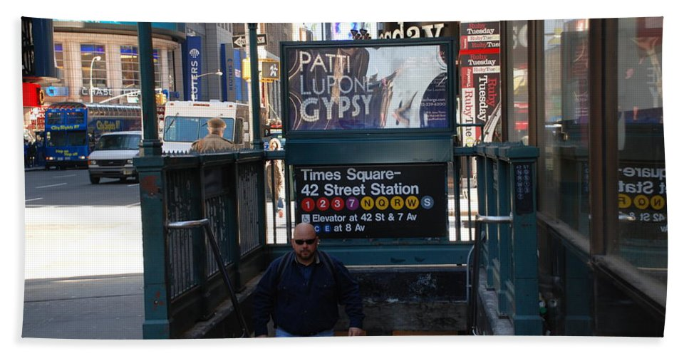 Subay Bath Towel featuring the photograph Self At Subway Stairs by Rob Hans