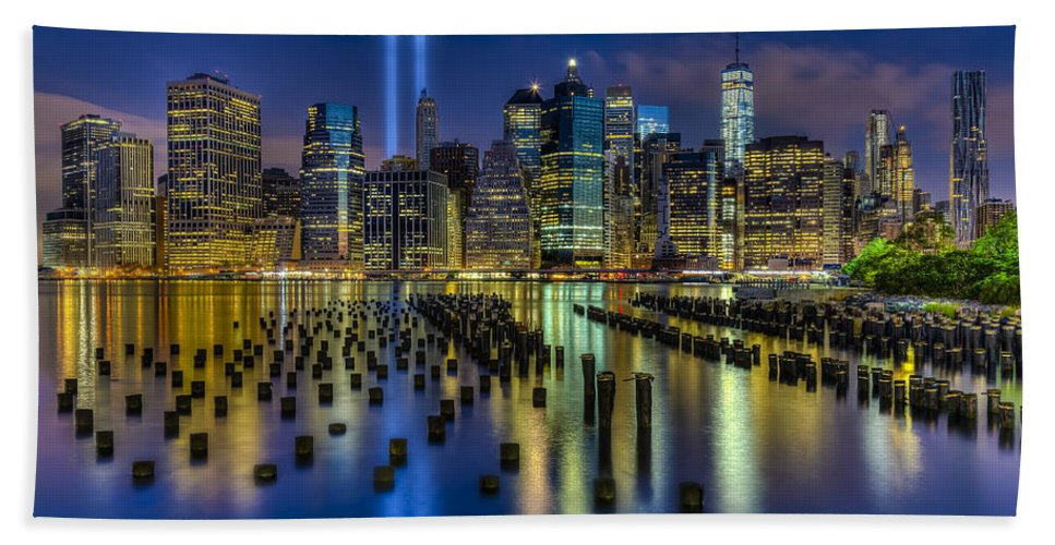 World Trade Center Bath Towel featuring the photograph September 11 Nyc Tribute by Susan Candelario
