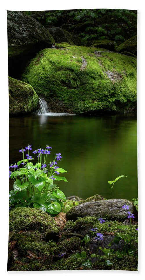 Violets Bath Sheet featuring the photograph Serene Green by Bill Wakeley