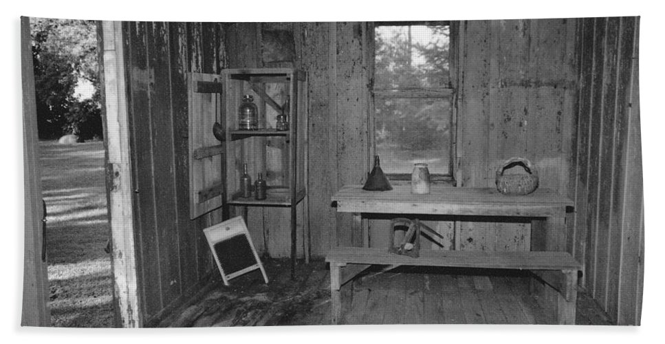 Black And White Hand Towel featuring the photograph Shack House by Michelle Powell
