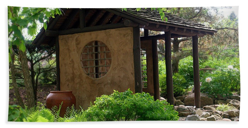 Japanese Garden Hand Towel featuring the photograph Shaded Oasis by Terry Matzke