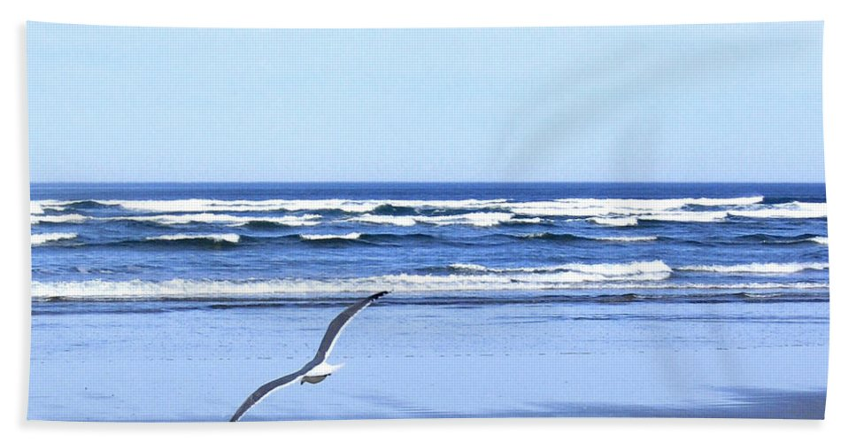 Seagull Bath Towel featuring the photograph Shadow On The Sand by Will Borden