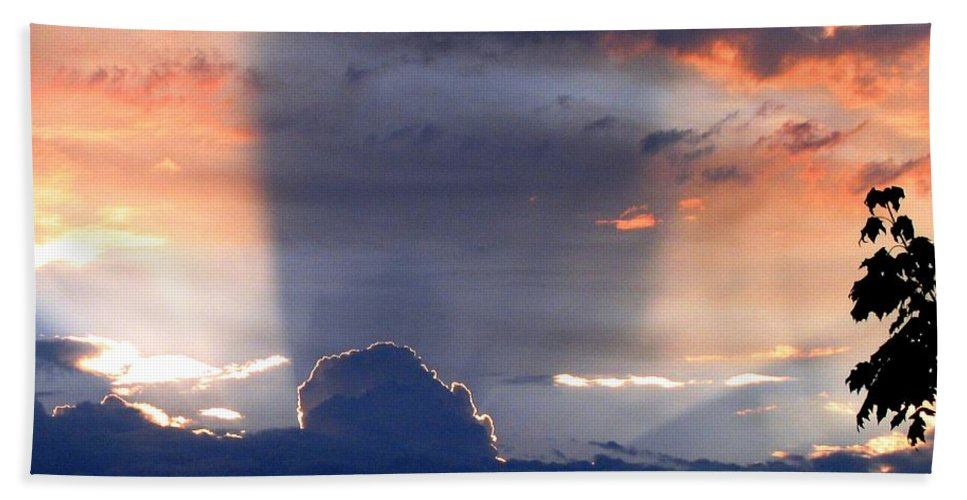 Sunset Bath Sheet featuring the photograph Shadows In The Sky by Will Borden