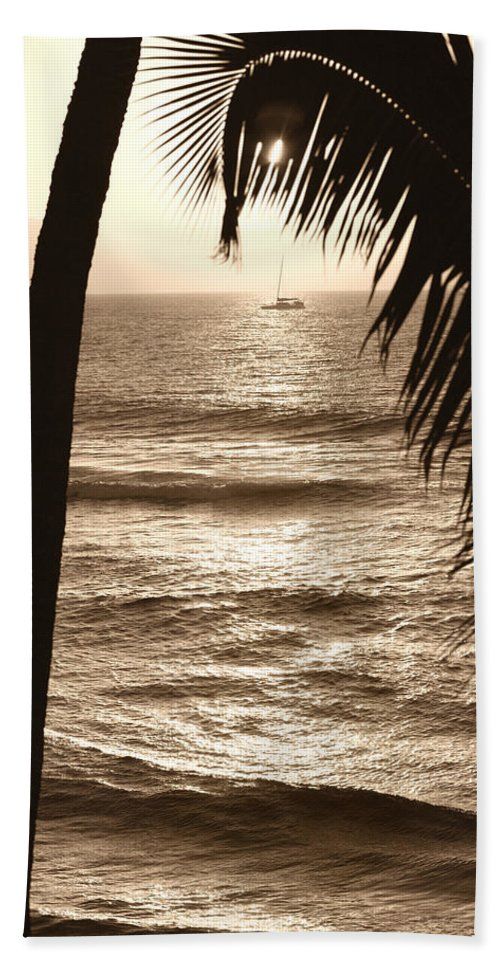 Hawaii Bath Sheet featuring the photograph Ship In Sunset by Marilyn Hunt