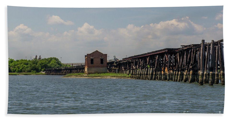 Coal Tipple Bath Sheet featuring the photograph Shipping Terminal by Dale Powell