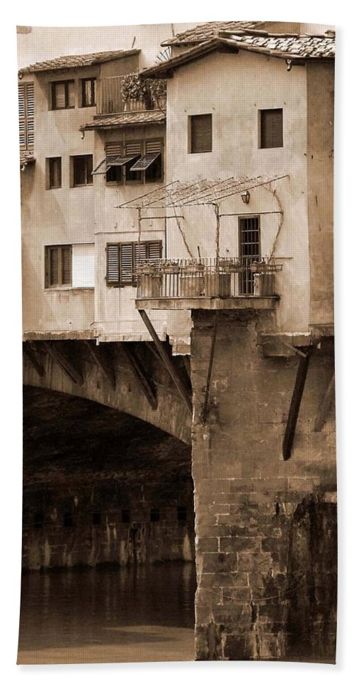 Shops Hand Towel featuring the photograph Shops On The Ponte Vecchio by Donna Corless