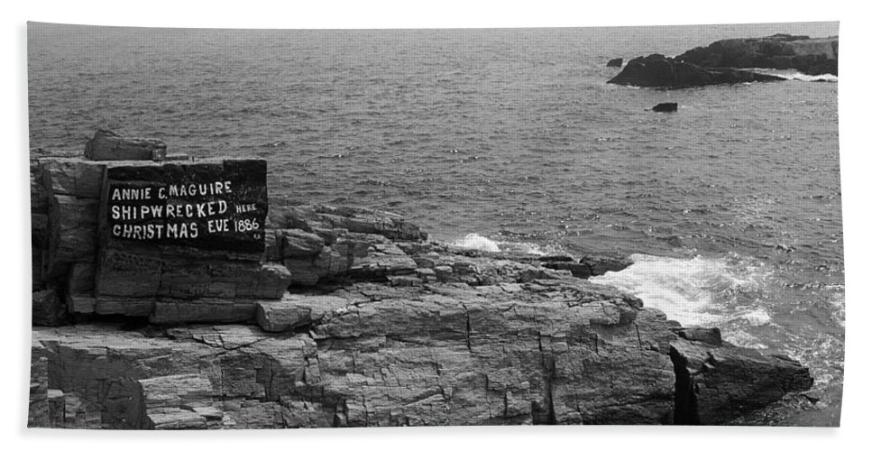 America Bath Sheet featuring the photograph Shoreline And Shipwreck - Portland, Maine Bw by Frank Romeo