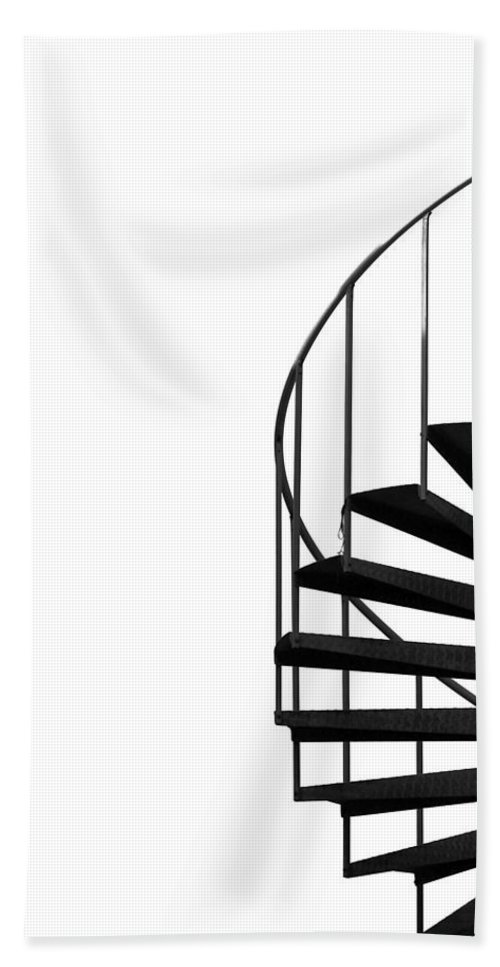 Composition Bath Towel featuring the photograph Side Entrance by Evelina Kremsdorf
