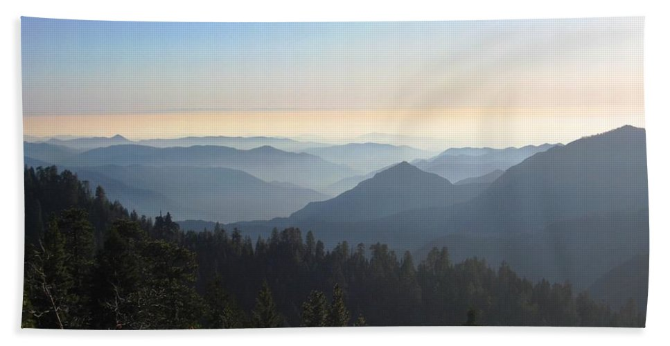Sierras Hand Towel featuring the photograph View From Beetle Rock by Marta Robin Gaughen