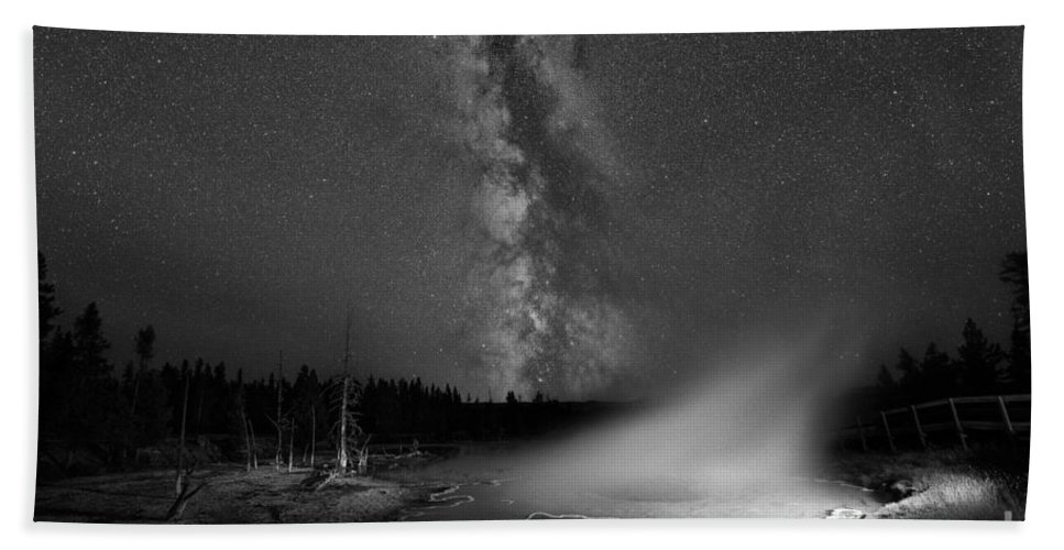 Silex Spring Bath Sheet featuring the photograph Silex Spring Milky Way Bw by Michael Ver Sprill