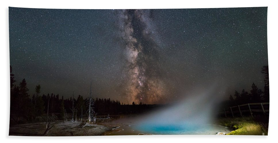 Silex Spring Bath Sheet featuring the photograph Silex Spring Milky Way by Michael Ver Sprill