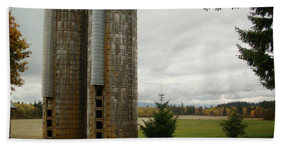Farm Bath Sheet featuring the photograph Silo 1 by Sara Stevenson