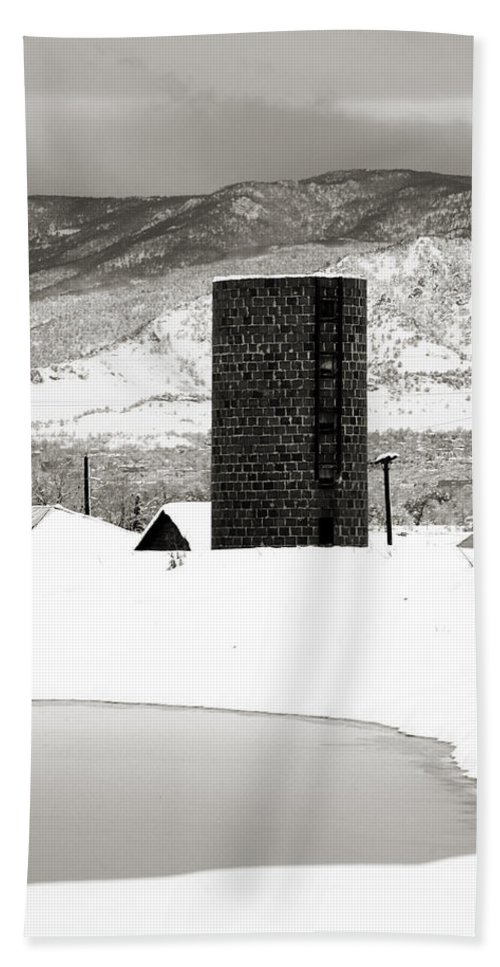 Colorado Bath Sheet featuring the photograph Silo And Silence by Marilyn Hunt