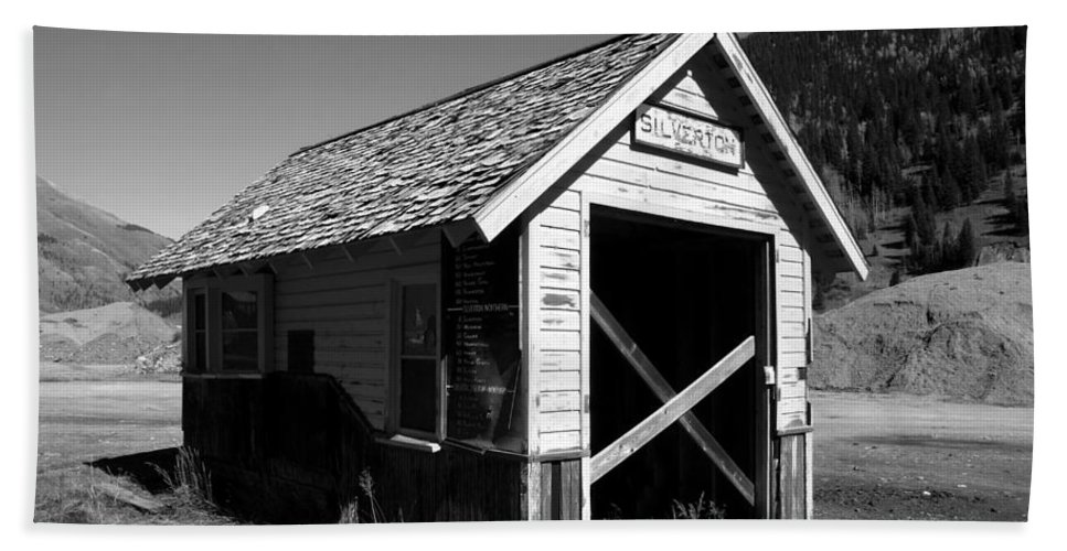 Silverton Colorado Bath Sheet featuring the photograph Silverton Depot by David Lee Thompson