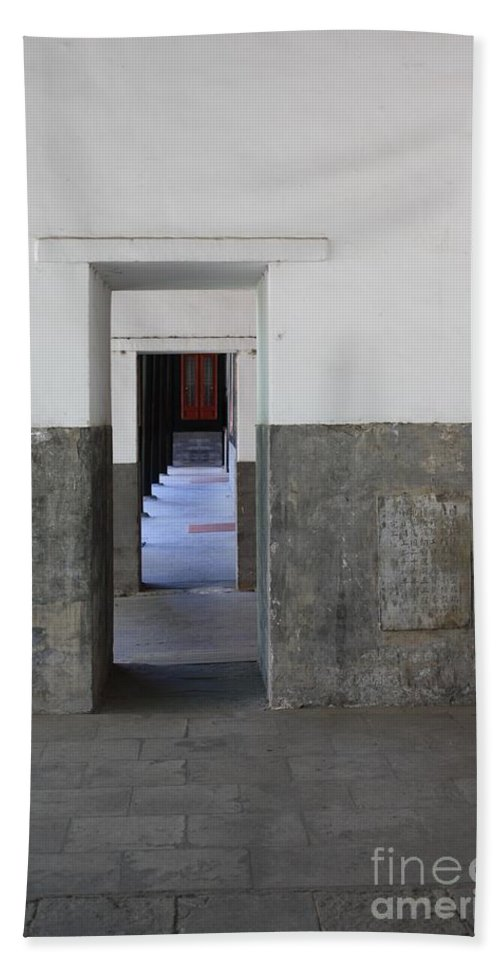 Temple Doors Hand Towel featuring the photograph Simplicity by Carol Groenen