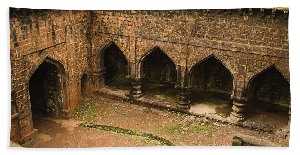 Ancient Hand Towel featuring the photograph Skc 3278 Ancient Courtyard by Sunil Kapadia