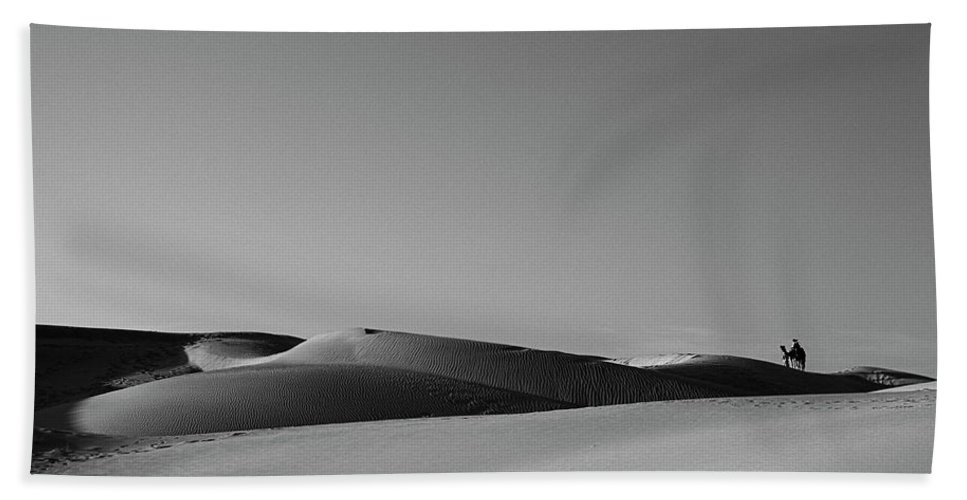 Ride Bath Sheet featuring the photograph Skn 1115 A Ride Of The Desert by Sunil Kapadia