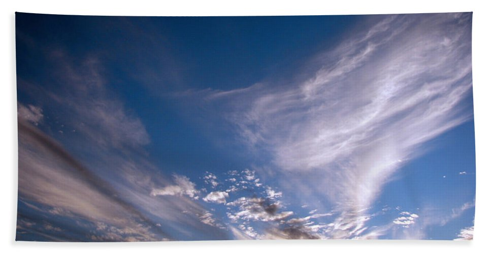 Skies Bath Towel featuring the photograph Sky by Amanda Barcon