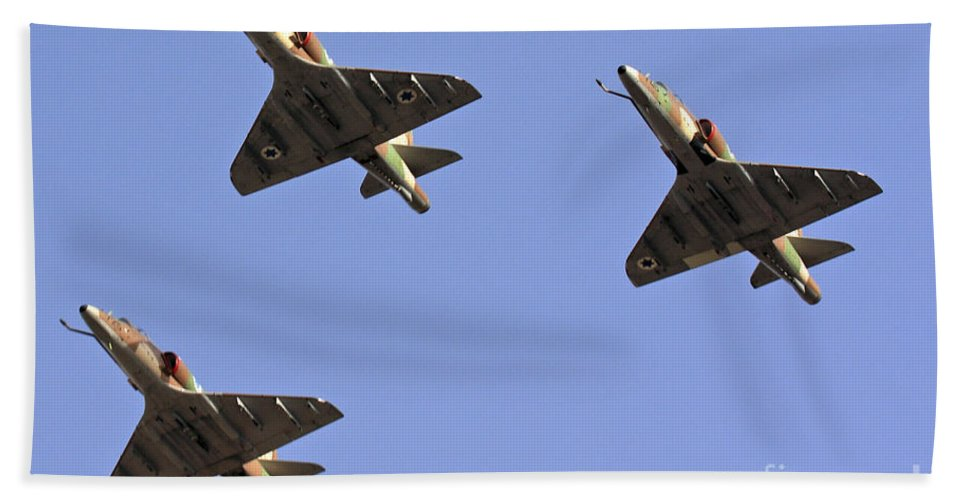 Aircraft Bath Towel featuring the photograph Skyhawk Fighter Jet In Formation by Nir Ben-Yosef