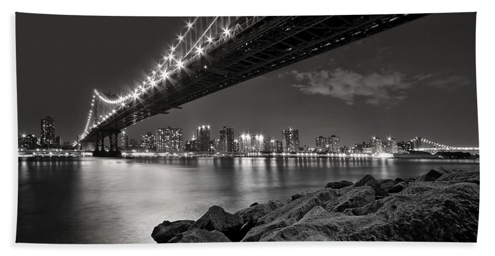 Bridge Bath Towel featuring the photograph Sleepless Nights And City Lights by Evelina Kremsdorf