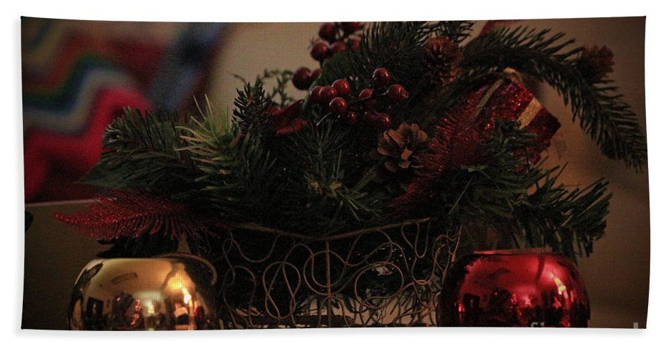 Christmas Hand Towel featuring the photograph Sleigh by Jamie Smith