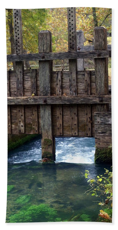Alley Spring Bath Towel featuring the photograph Sluce Gate by Marty Koch