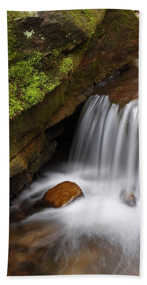 Governor Dodge State Park Hand Towel featuring the photograph Small Falls At Governor Dodge State Park by Matthew Kirsch