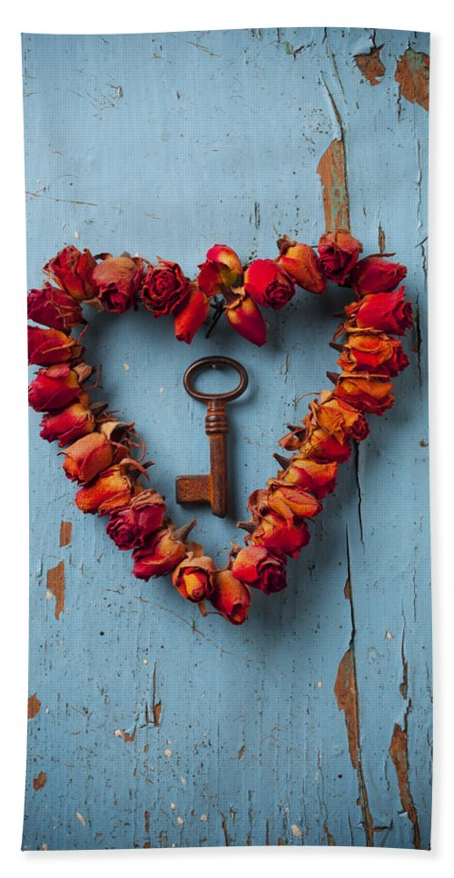 Love Rose Heart Wreath Key Bath Towel featuring the photograph Small Rose Heart Wreath With Key by Garry Gay