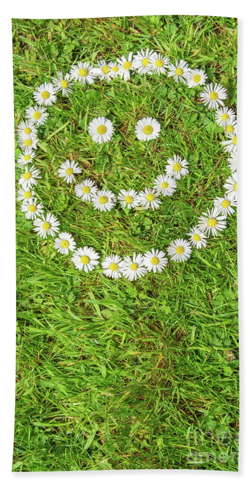 Smiley Bath Sheet featuring the photograph Smiley by Kay Roxby