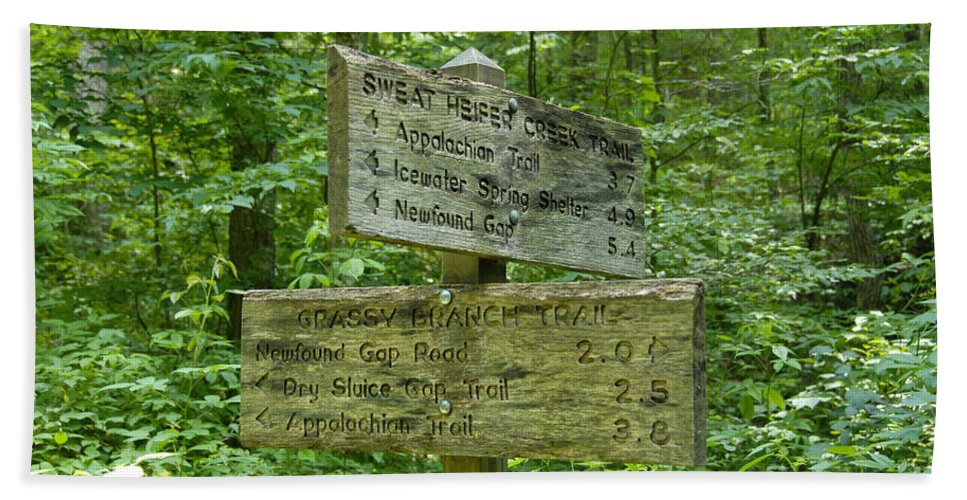 Smoky Mountain National Park Hand Towel featuring the photograph Smoky Mountain Directional by David Lee Thompson