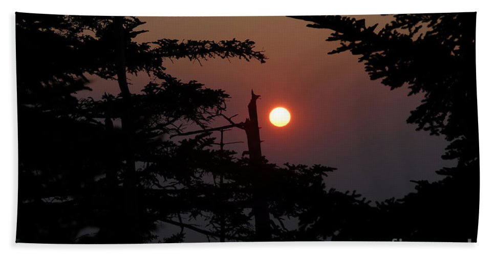 Smoky Mountain National Park Hand Towel featuring the photograph Smoky Mountain Sunset by David Lee Thompson