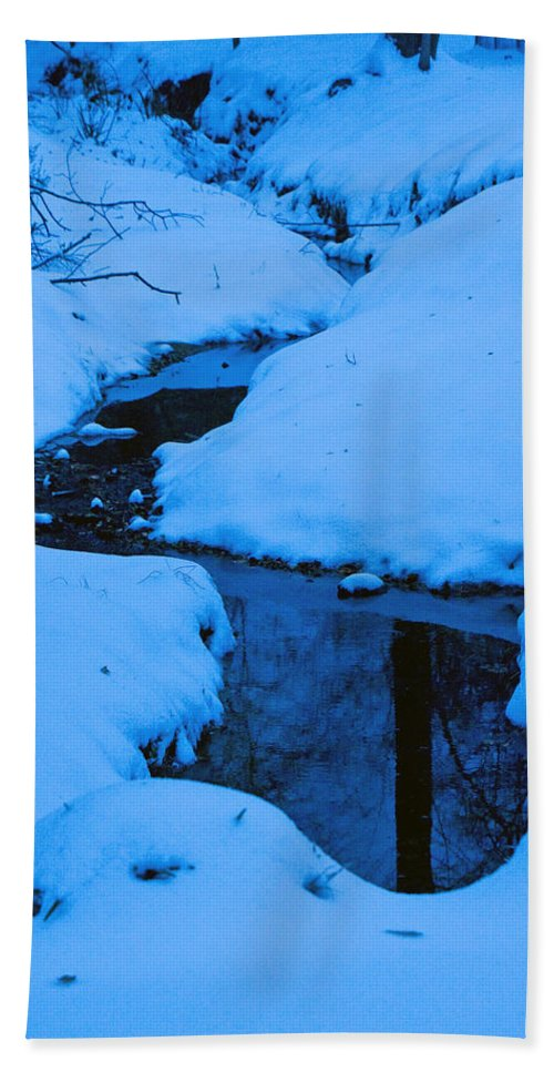 Snow Hand Towel featuring the photograph Snow Stream by David Campbell