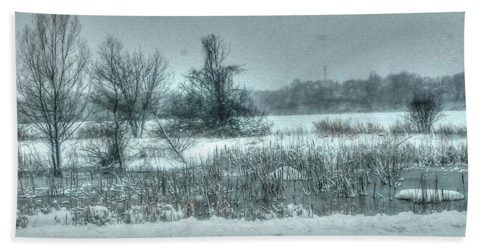 Snow Hand Towel featuring the photograph Snowy Field by Patti Pappas