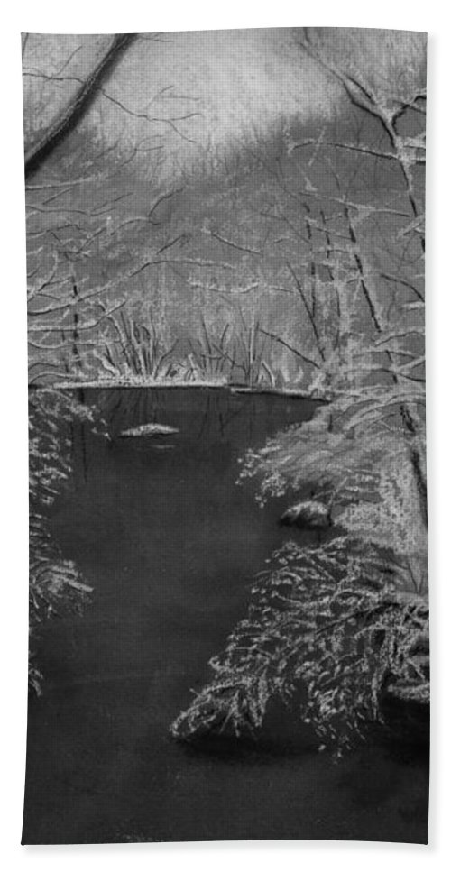 Black And White Bath Towel featuring the painting Snowy River by Lynn Quinn