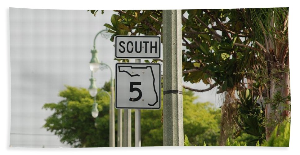 South Bath Sheet featuring the photograph South Florida 5 by Rob Hans