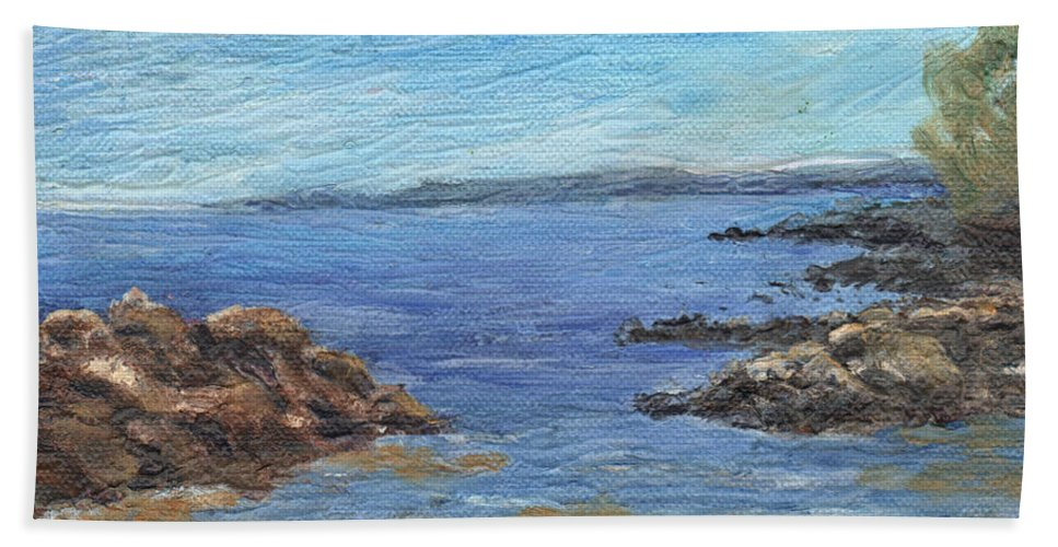 Seascape Bath Towel featuring the painting South from Rye Harbor by Sharon E Allen