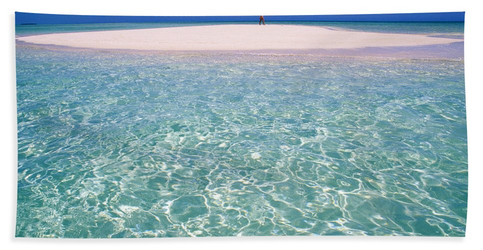 South Pacific Sandbar Hand Towel featuring the photograph South Pacific Sandbar by Steve Williams