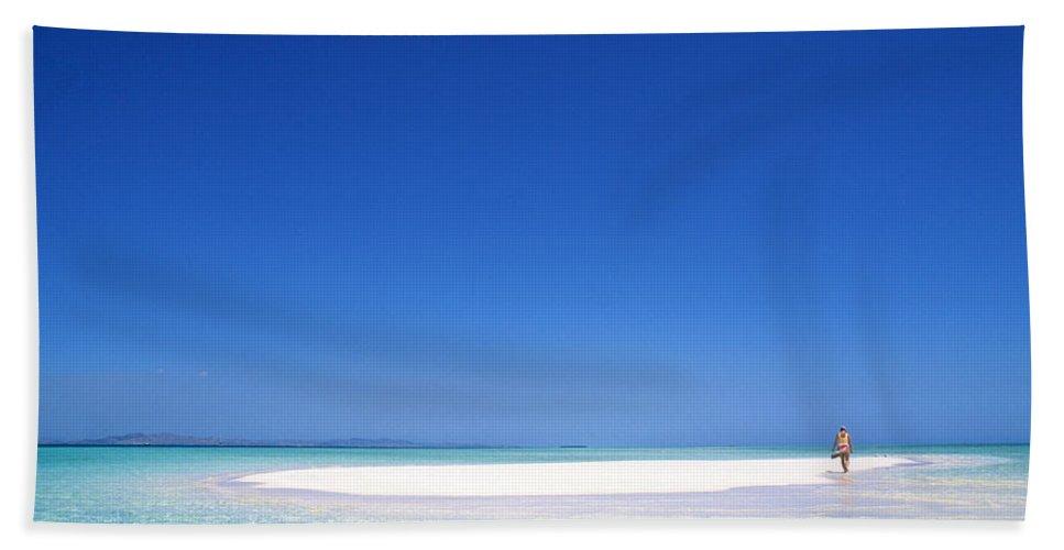 South Pacific Sandbar Hand Towel featuring the photograph South Pacific Sandbar2 by Steve Williams