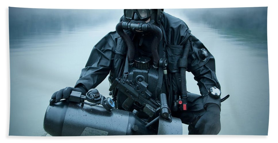 Special Operations Forces Bath Sheet featuring the photograph Special Operations Forces Combat Diver by Tom Weber