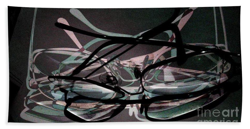 Spectacles Bath Sheet featuring the photograph Spectacles 2 by Ron Bissett