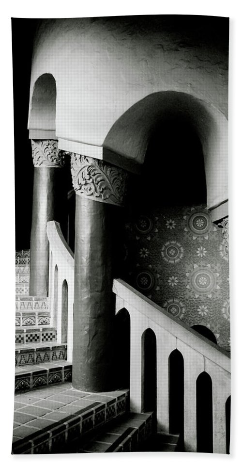 Stairs Bath Towel featuring the mixed media Spiral Stairs- Black And White Photo By Linda Woods by Linda Woods