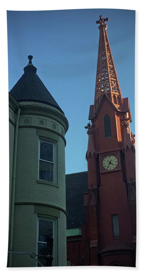Clock Hand Towel featuring the photograph Spire Of Chinatown by Jost Houk