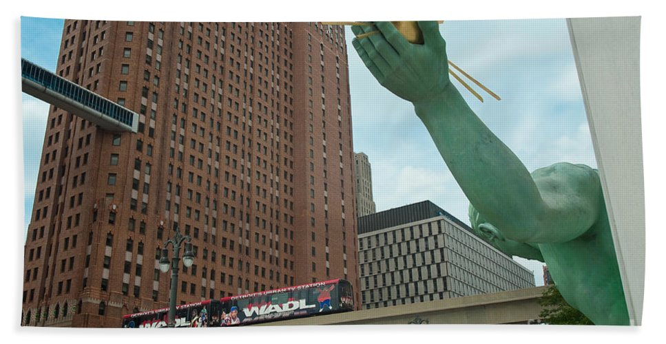 Spirit Of Detroit Hand Towel featuring the photograph Spirit Of Detroit And People Mover by Steven Dunn