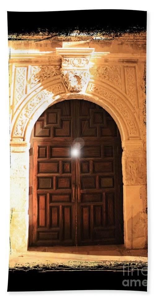 Radiant Light Bath Sheet featuring the photograph Spirit Of The Alamo With Framing by Carol Groenen